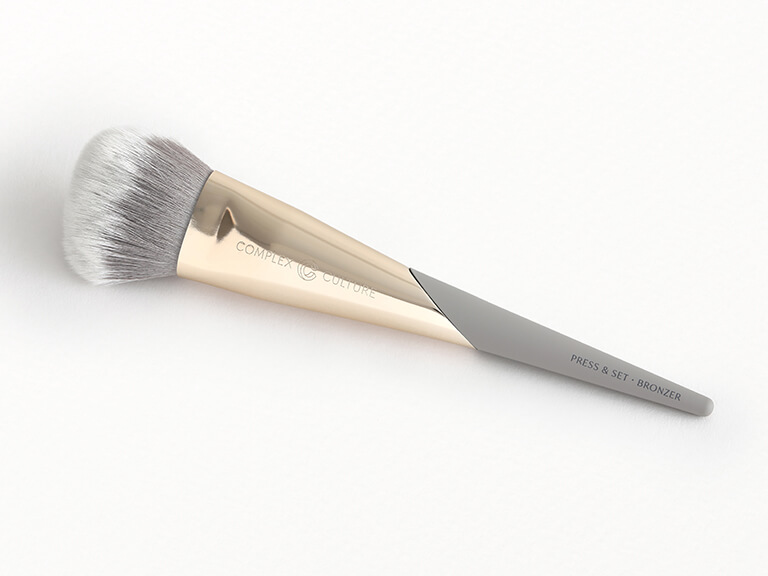 COMPLEX CULTURE Press & Set • Bronzer Brush