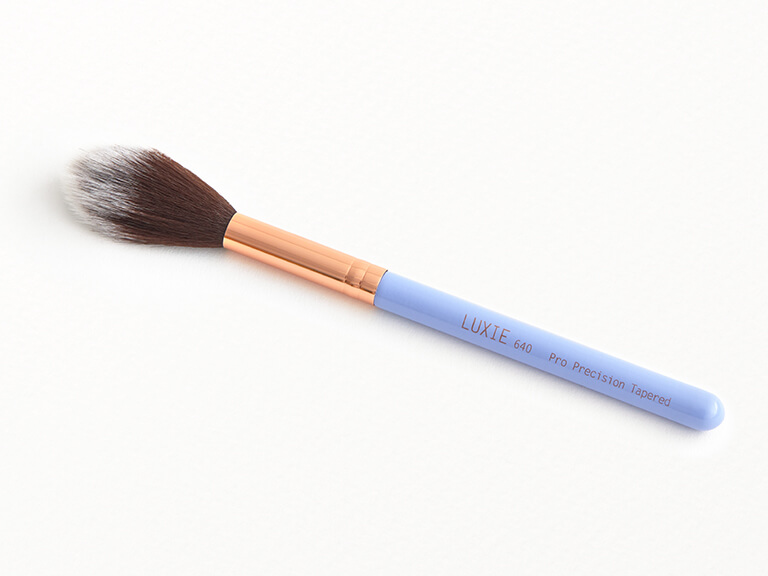 LUXIE BEAUTY Periwinkle Pro Prevision Tapered Brush 640
