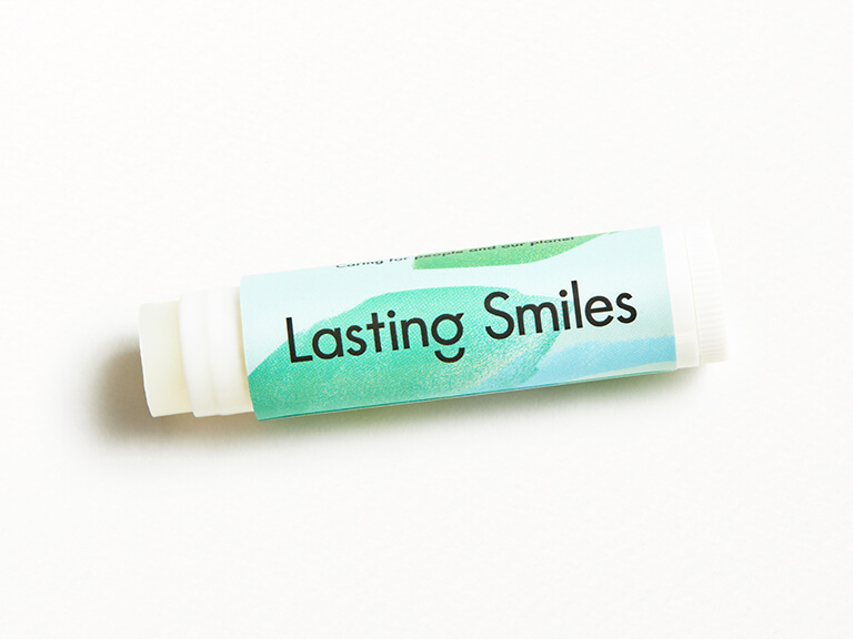 LASTING SMILES Lip Balm in Peppermint Creme