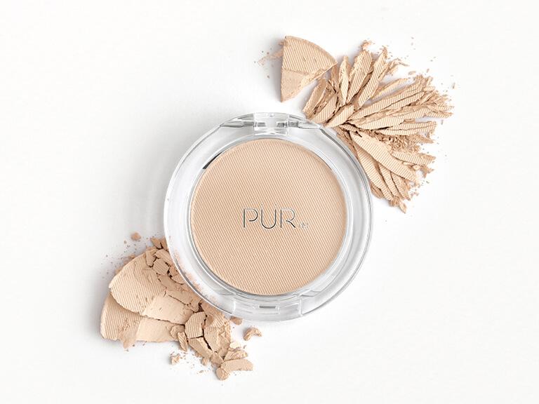 PÜR 4-in-1 Pressed Mineral Makeup Broad Spectrum SPF 15 in Porcelain