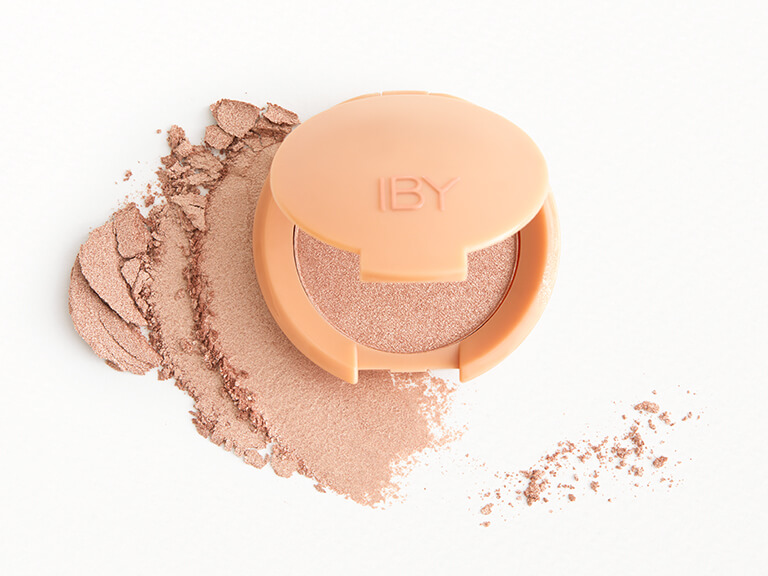 IBY BEAUTY Radiant Glow Highlighter in Prosecco