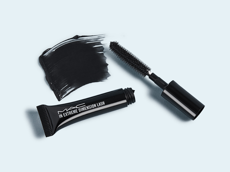 M·A·C In Extreme Dimension Lash Mascara in Black Extreme