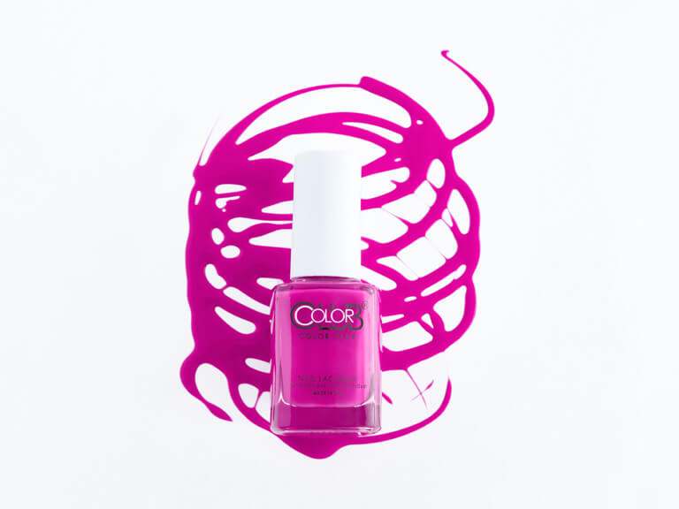 COLOR CLUB Nail Polish in Mrs. Robinson